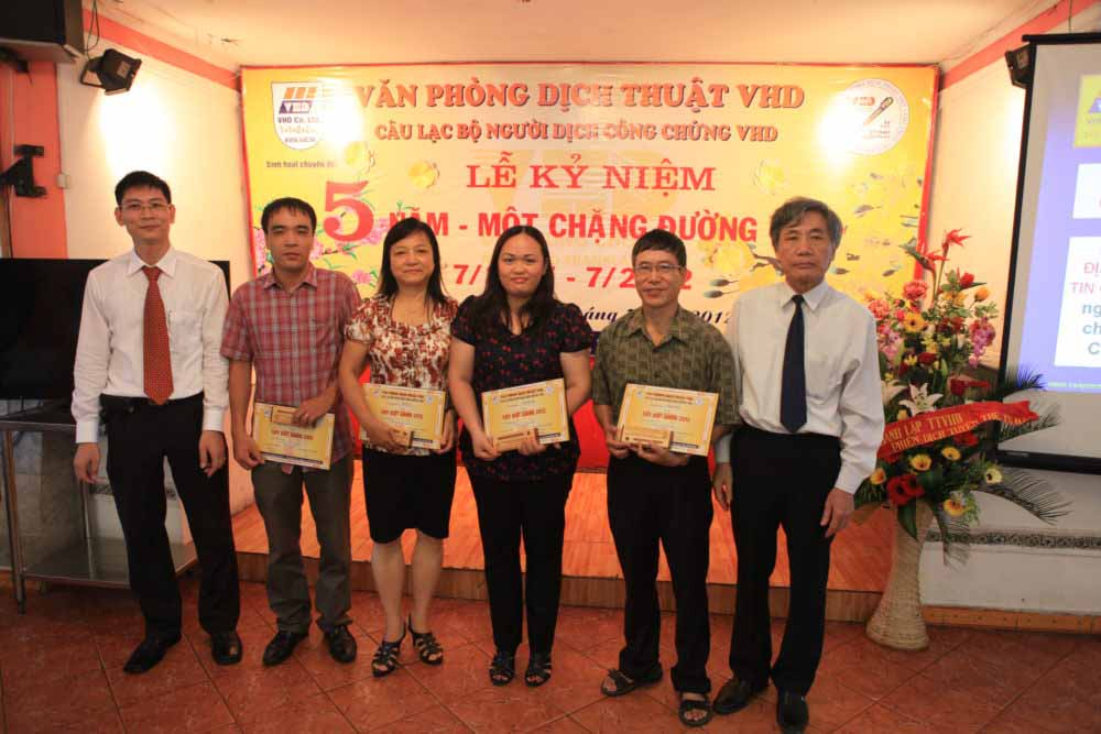 Dịch thuật công chứng VHD ở Hà Nội – 5 năm một chặng đường VHD